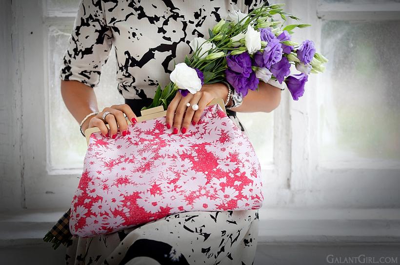 Stella McCartney Lucia clutch chanel pearl ring by GalantGirl.com