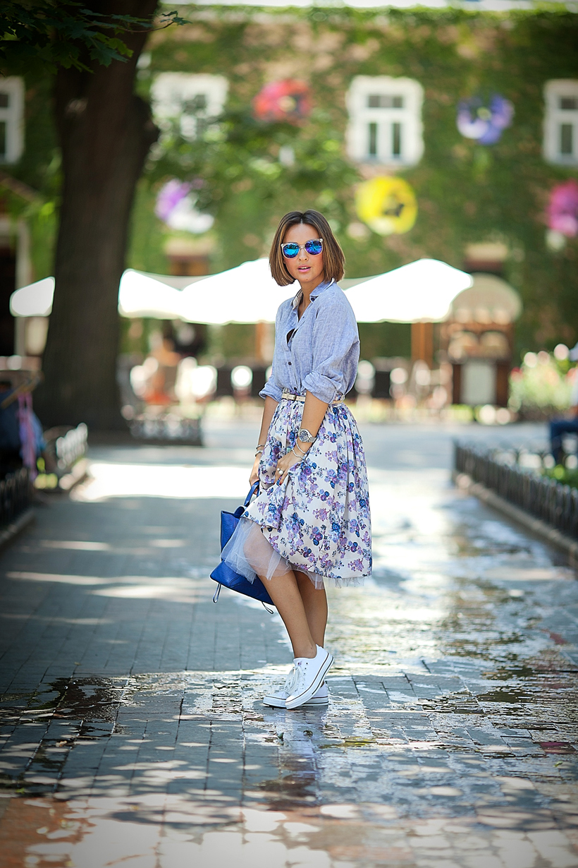 feminine outfit with converse