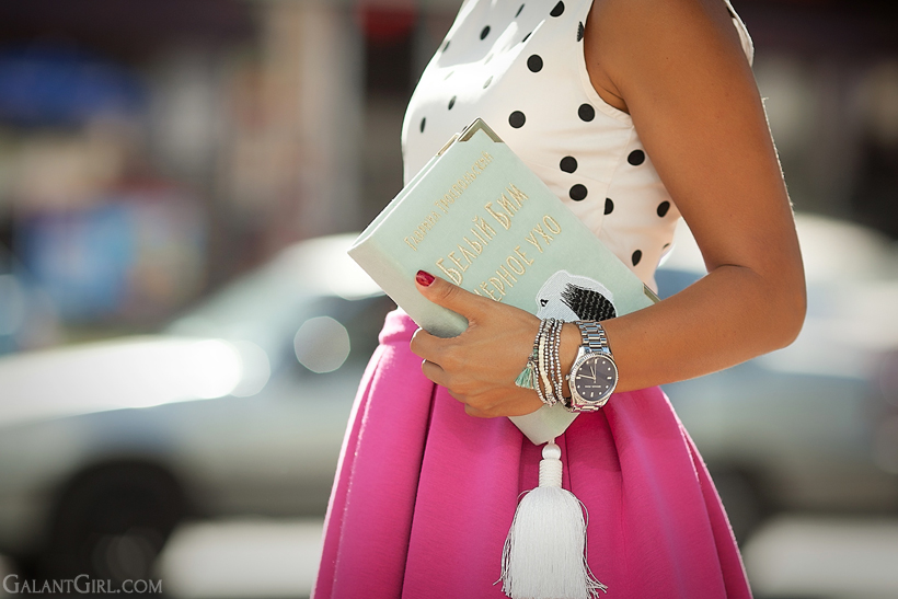 book clutch by PchelaBee on Galant Girl