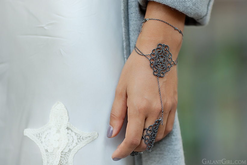 oriental palm bracelet