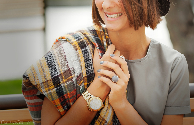 checked poncho - fashion trends for autumn 2014 on GalantGirl.com