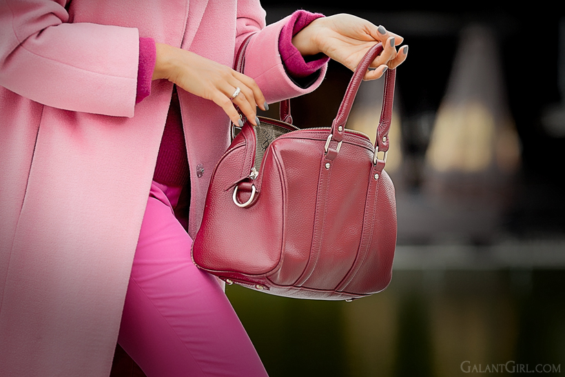 pink accents in outfit on GalantGirl.com