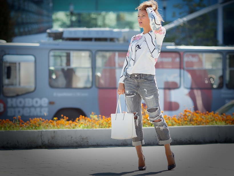 embellished jacket and ripped jeans on GalantGirl.com