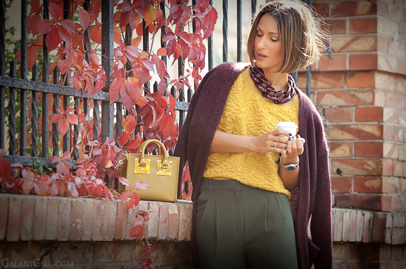 Autumn colors outfit on Galant girl