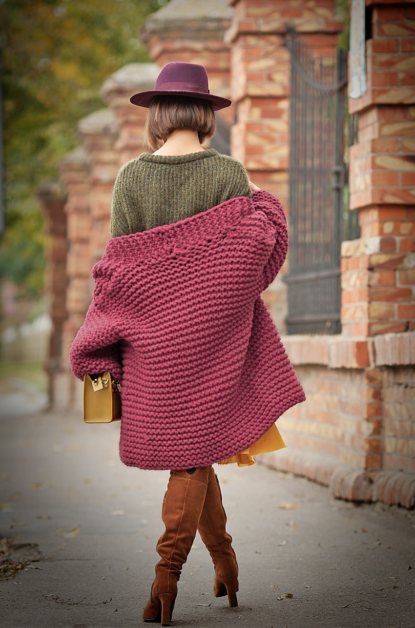 autumn colors in street style on GalantGirl.com