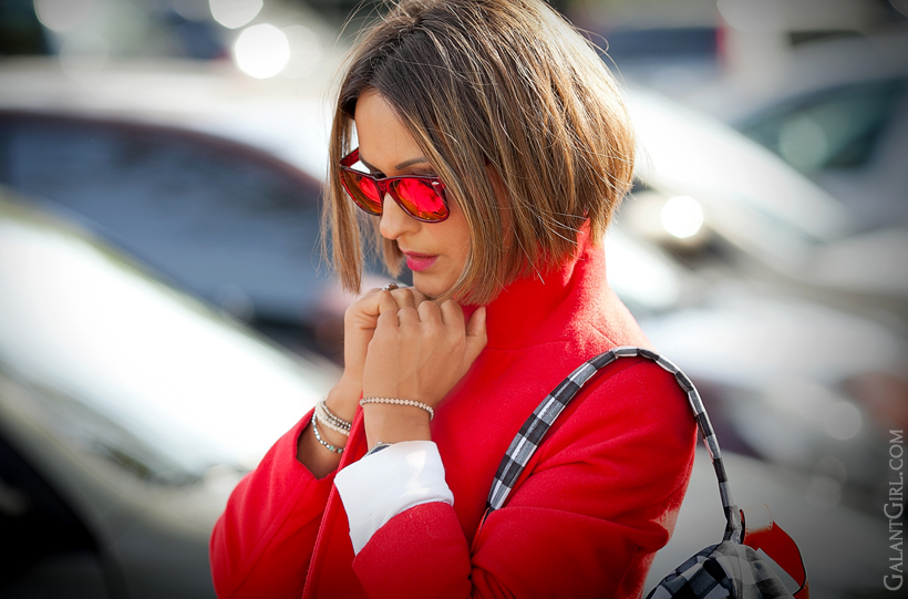 red accents in outfit on GalantGirl.com