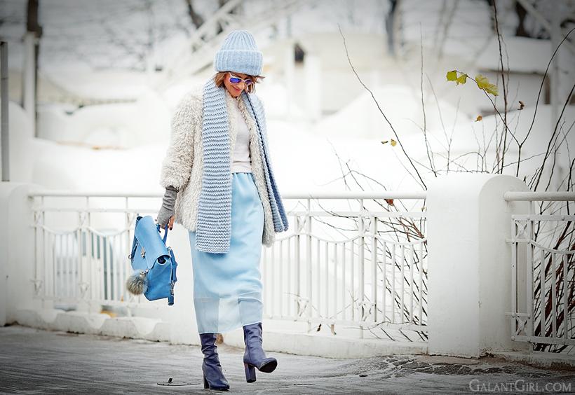 blue pencil skirt on Galantgirl.com