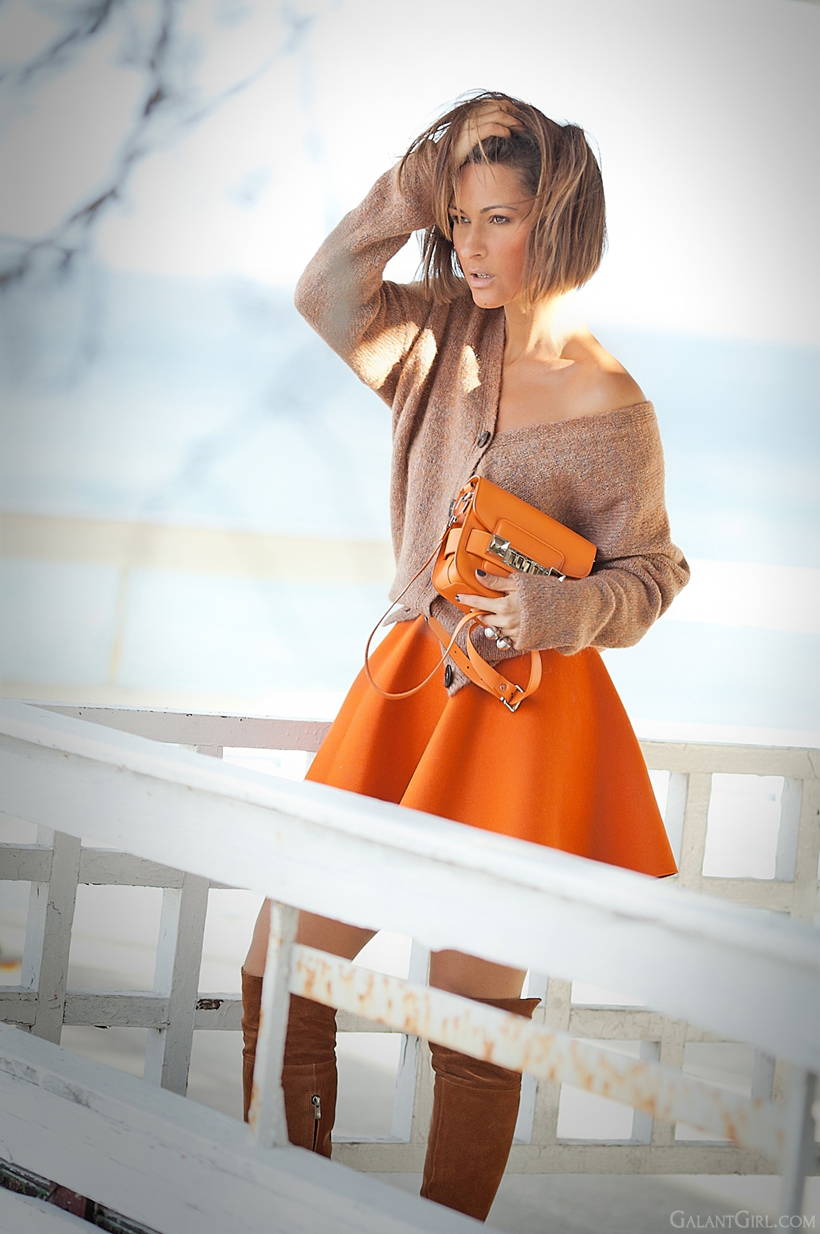 orange accessories in autumn outfits on GalantGirl.com