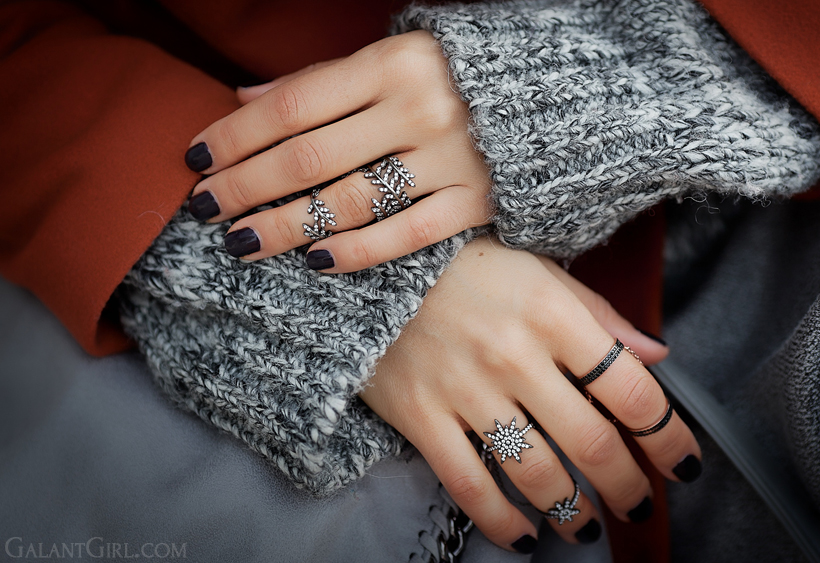 chain rings, double rings, knuckle rings,