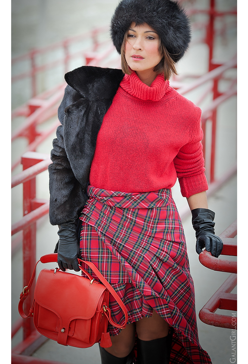 plaid skirt, tartan skirt, winter outfit, warm winter outfit, Opening Ceremony bag, Galant girl.com, galant girl
