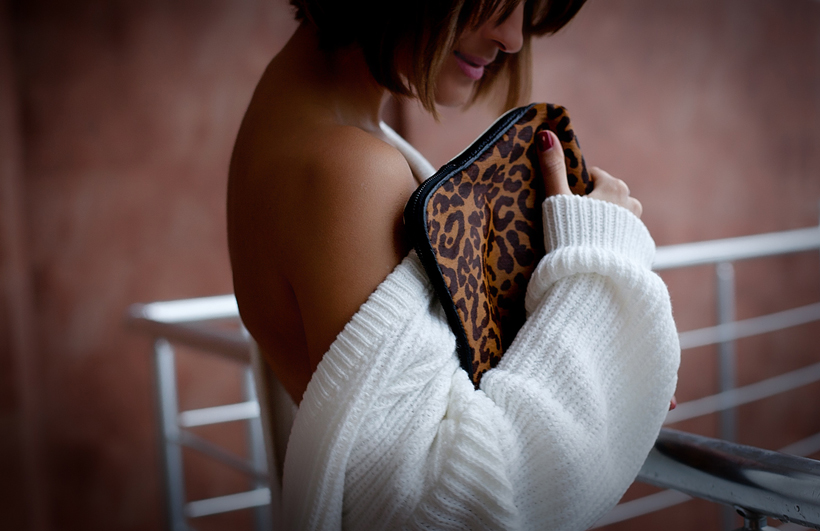 open back sweater , Galant girl, Galant girl blog, leopard print clutch, clutch Phillip Lim,