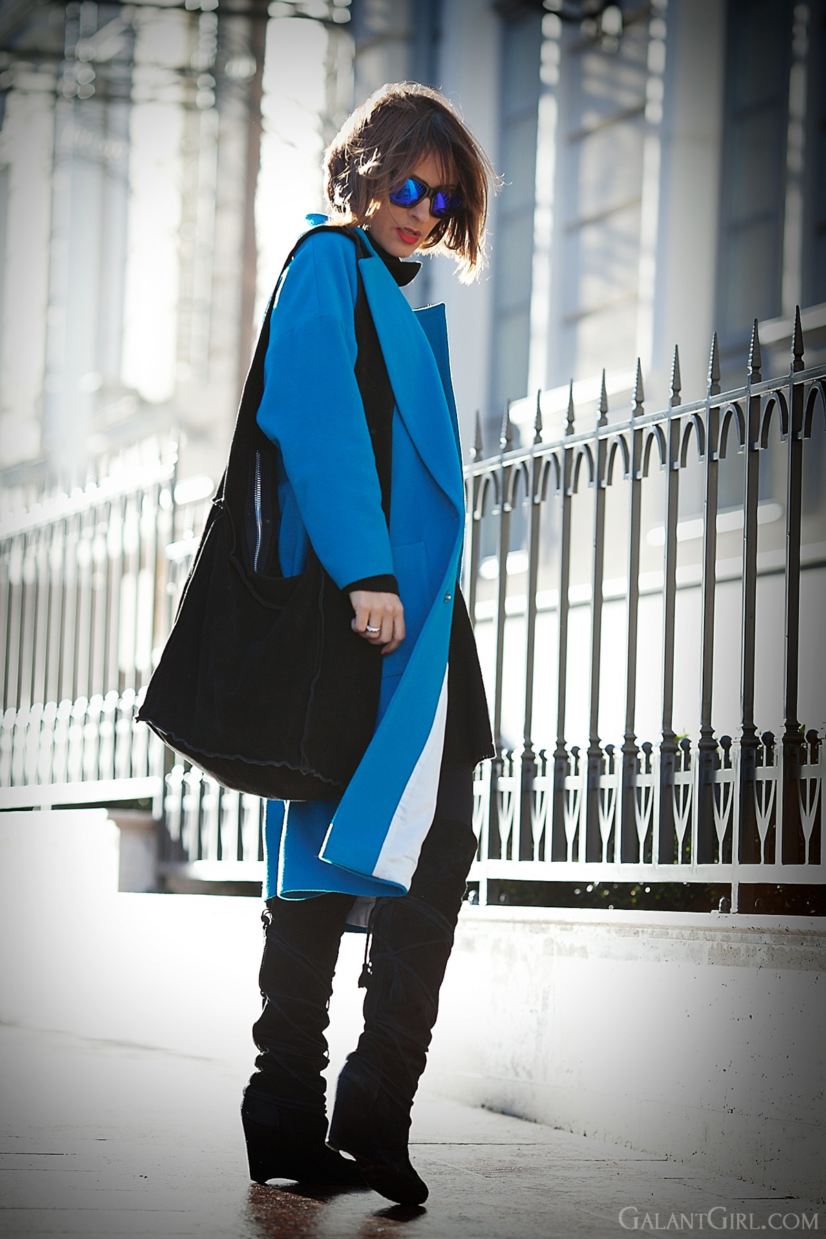 blue Cooper & Stollbrand wool coat, blue wool coat, galant girl,