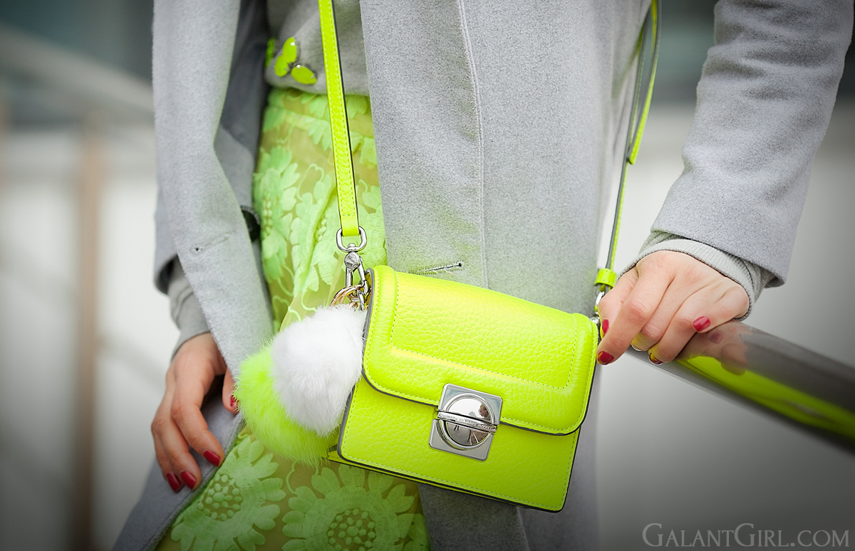 marc by marc jacobs bag in neon on Galant girl