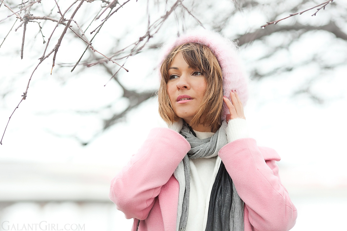 pink beanie, pink coat, galant girl, winter outfit,
