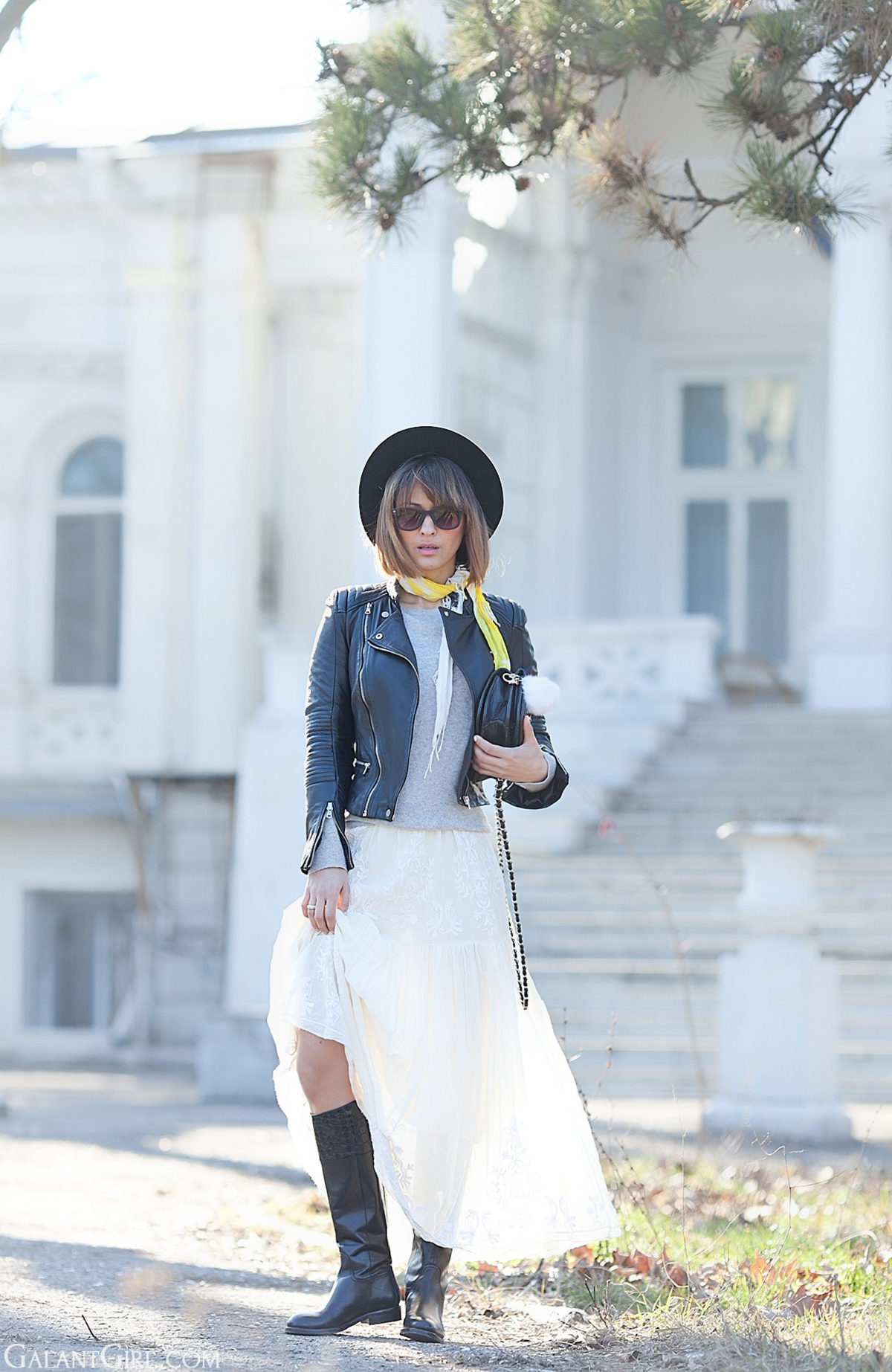 maxi skirt outfit on GalantGirl.com