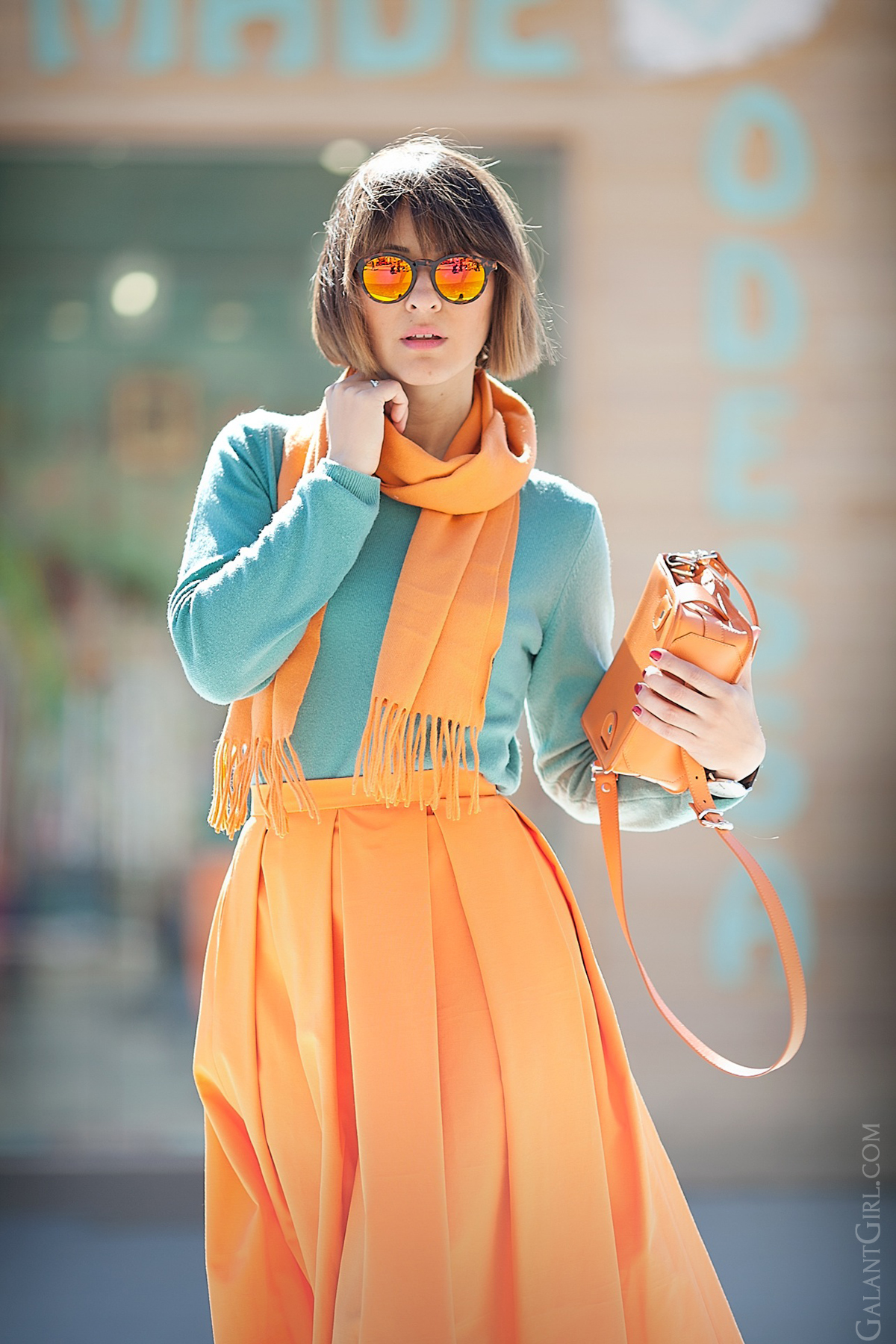 how to wear orange for everyday on GalantGirl.com