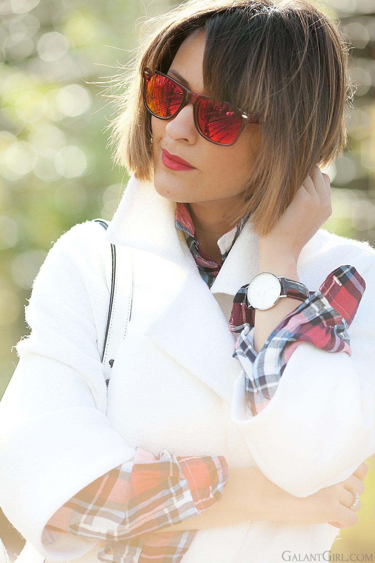 red mirror sunglasses and daniel wellington watch on galantGirl.com for editorial