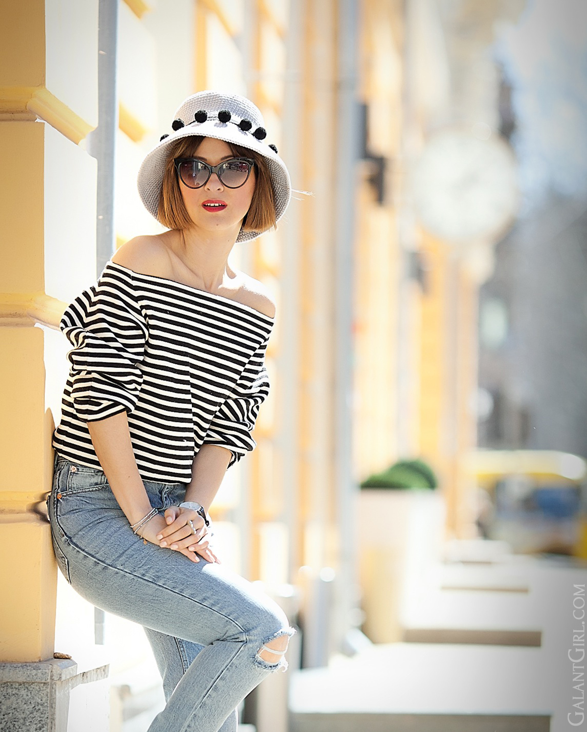 striped top outfit on GalantGirl.com