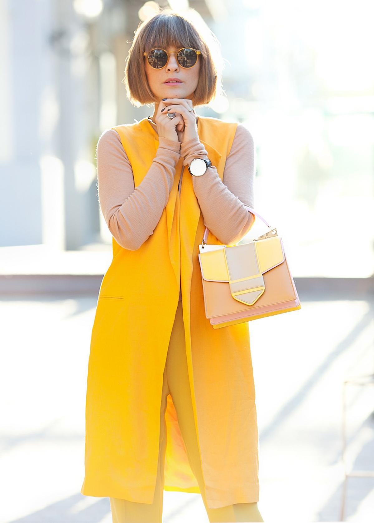 how to wear orange, orange zara vest, sara battaglia bag, street style fashion, street fashion, fashion blogger, street style blogger,