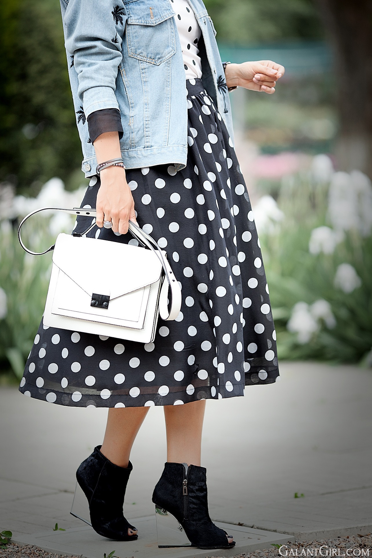 polka dots skirt, polka dots skirt outfit, street chic, peep toe booties, loeffler randall bag,
