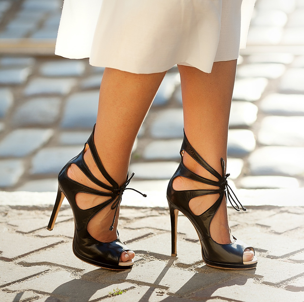 butterfly-heeled-sandals