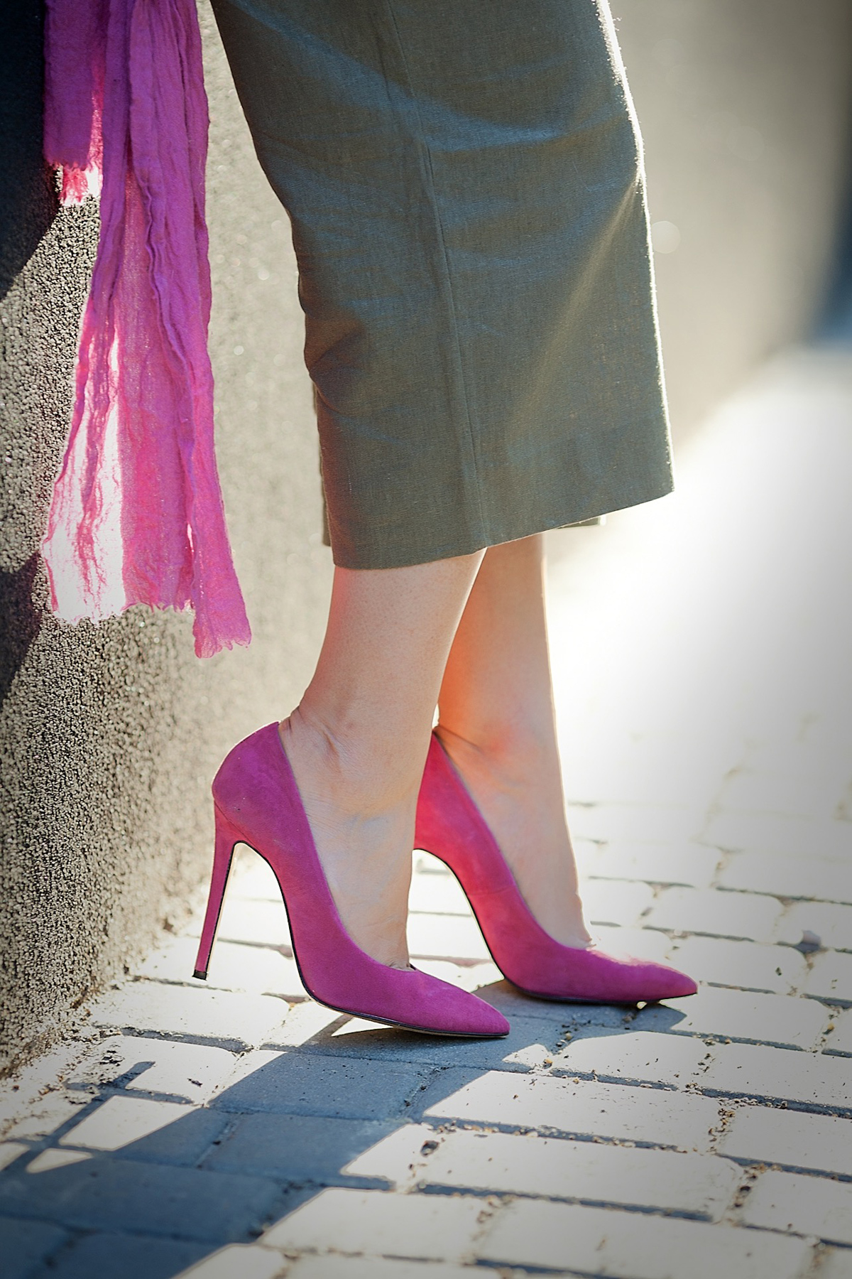 fuchsia-pumps