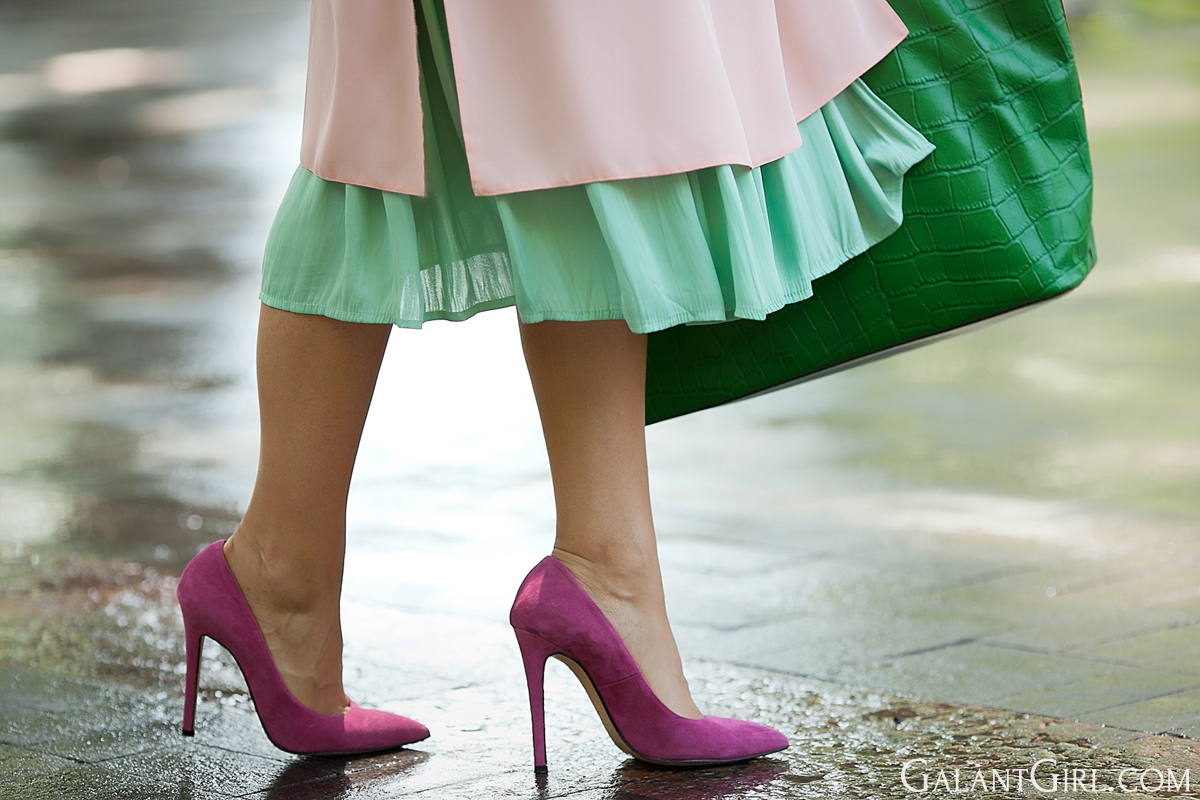 fuchsia-suede-pumps-galant-girl
