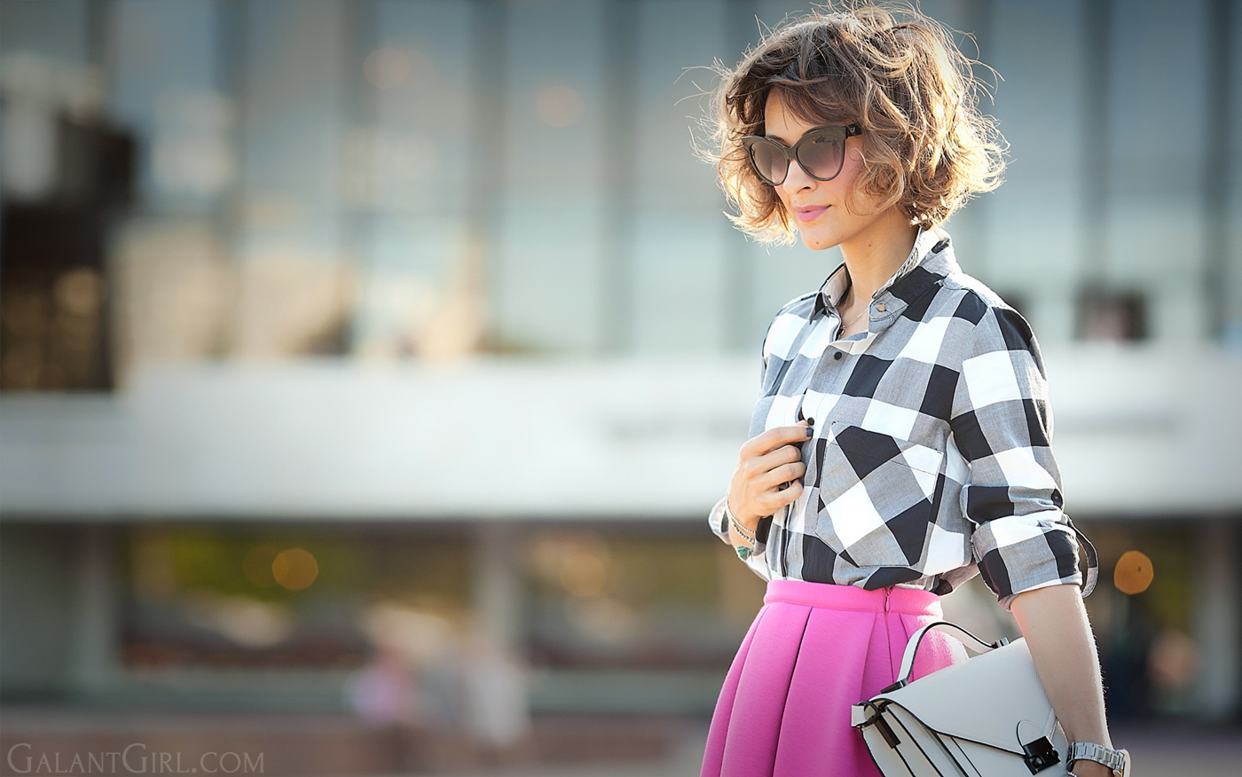 gingham-shirt-outfit