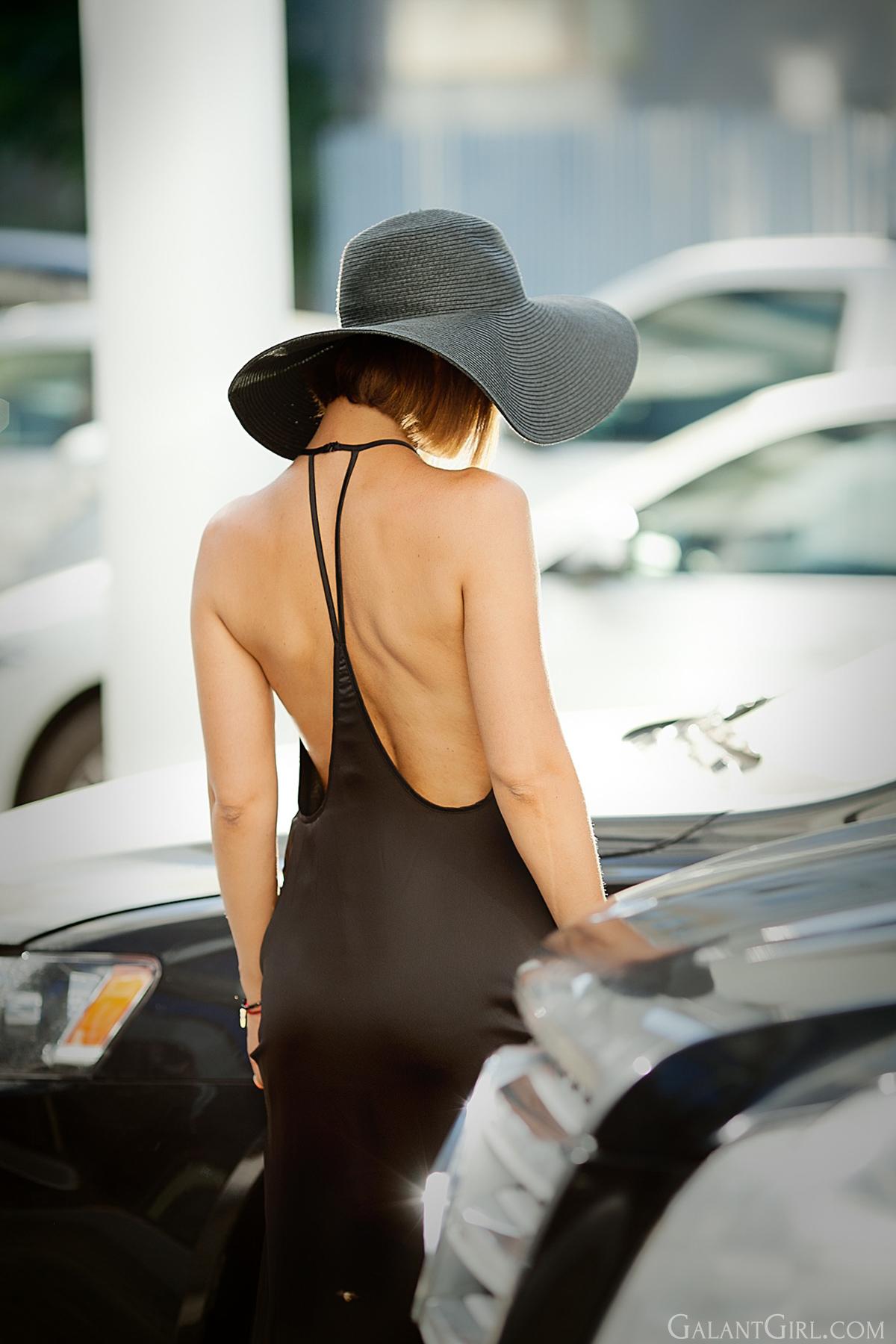 floppy-hat-on-street-style-fashion-blogger-galant-girl