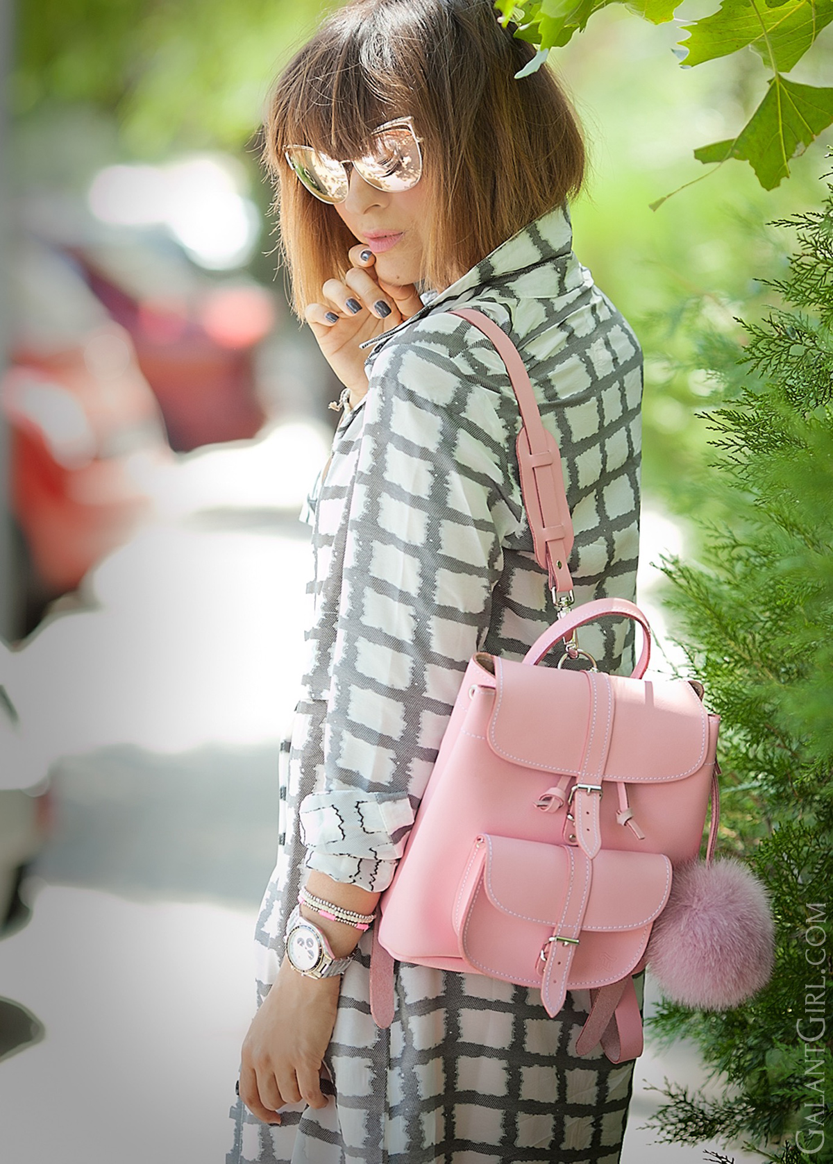 grafea-pink-backpack-outfit-on-galant-girl-fashion-blog