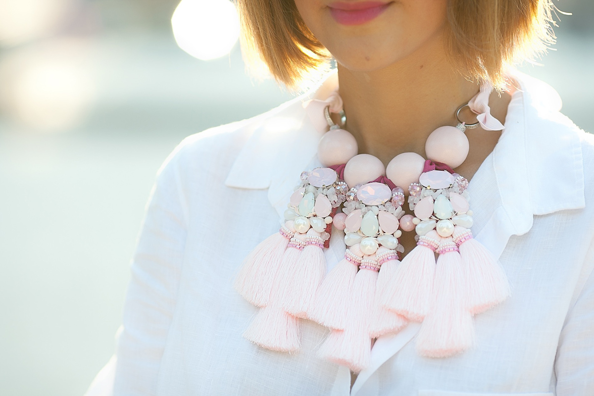 statement-necklace-outfit