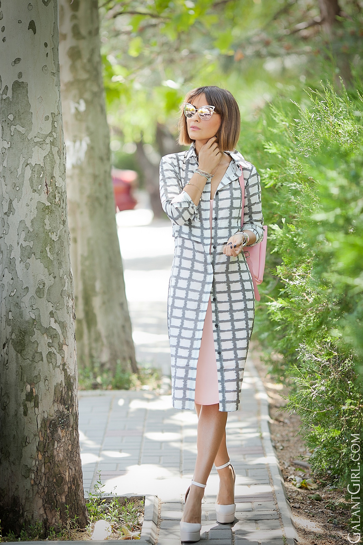 summer-outfit-for-office-on-galant-girl
