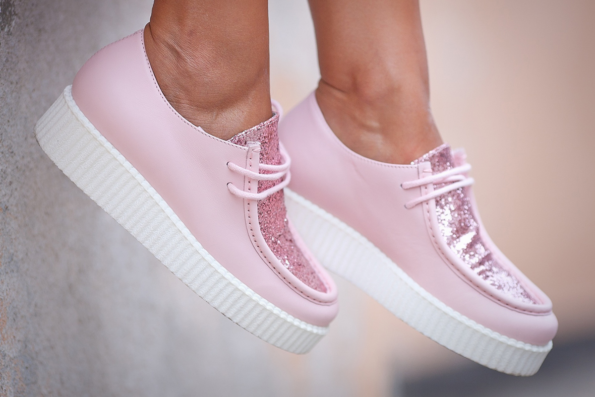 pink-loafers-by-joshua-sanders-galant-girl