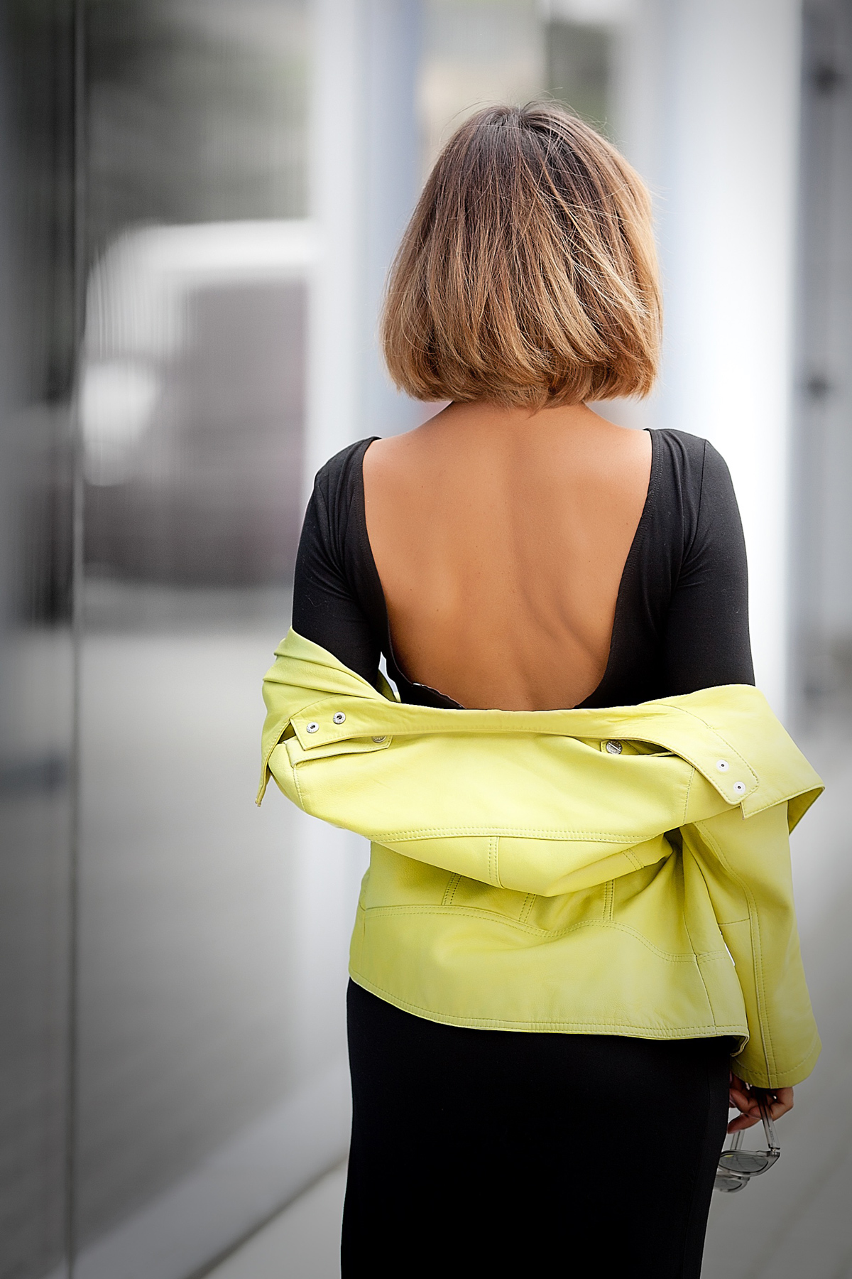 backless-dress-for-fall