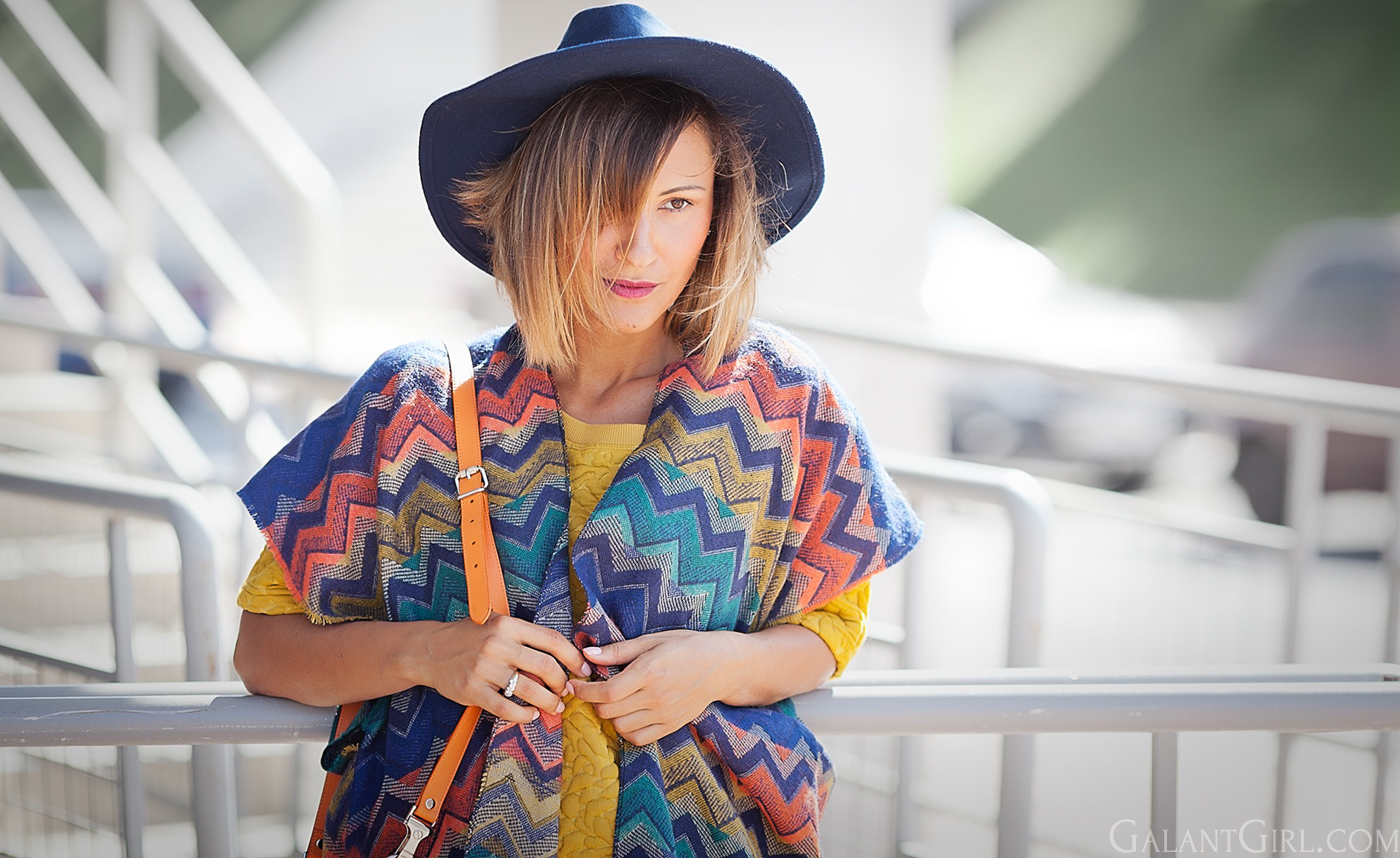 poncho-and-floppy-hat-fashion-blogger-galant-girl
