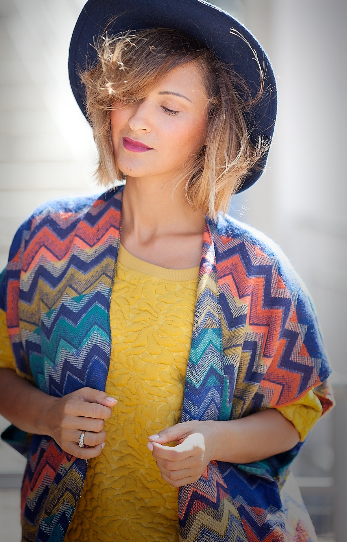 striped-poncho-outfit-by-fashion-blogger-galant-girl