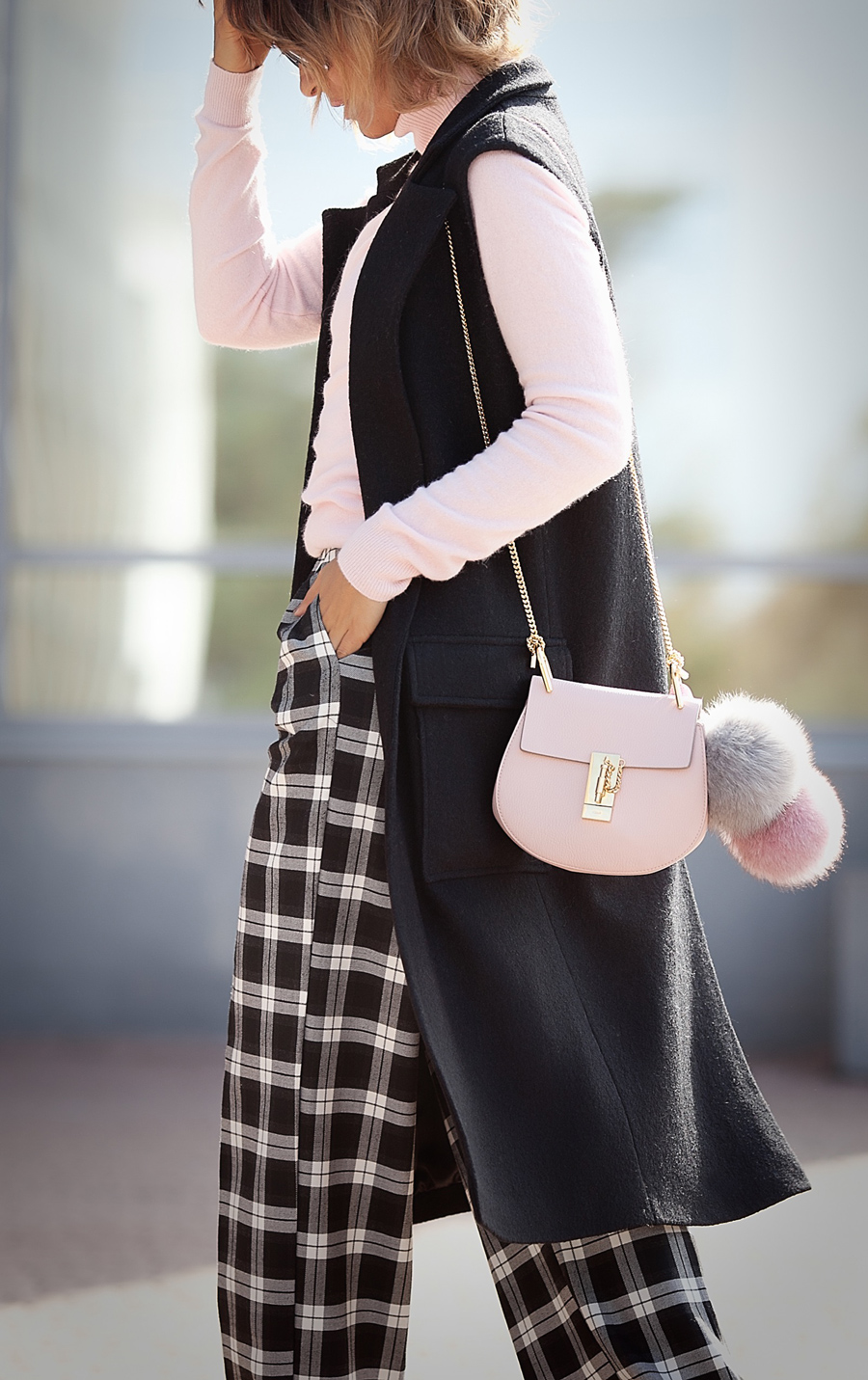 autumn-outfit-ideas-chloe+drew+in+pink