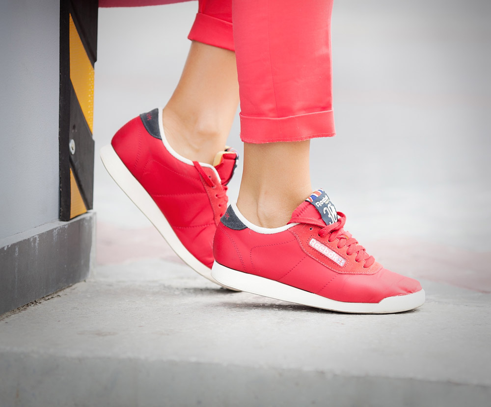 reebok-classic-in-red