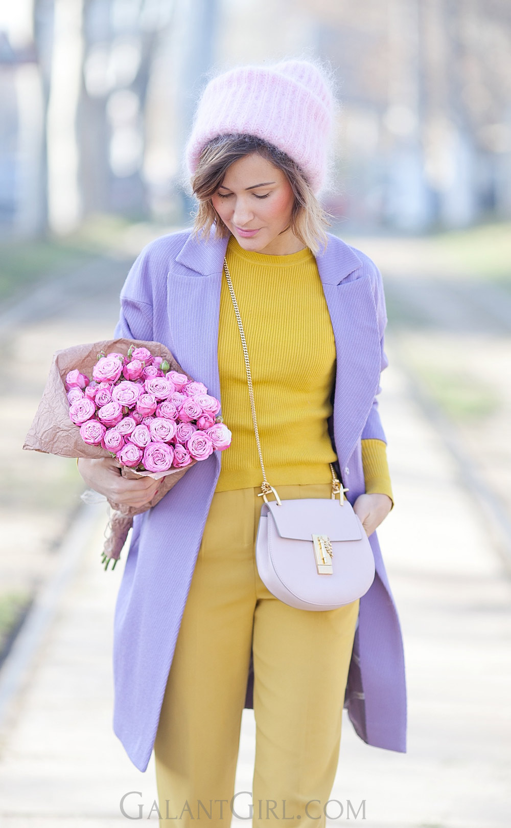 bouquet+of+roses+chloe+drew+bag+outfit