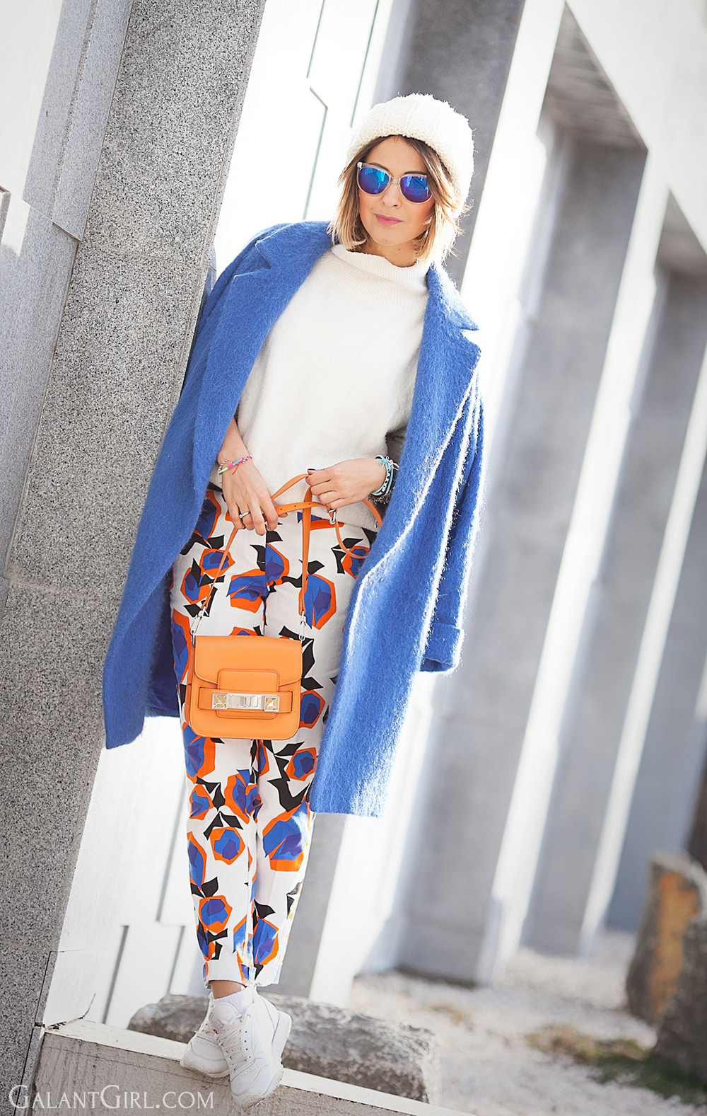 cropped-trousers-and-blue-coat-for-cold-winter-days