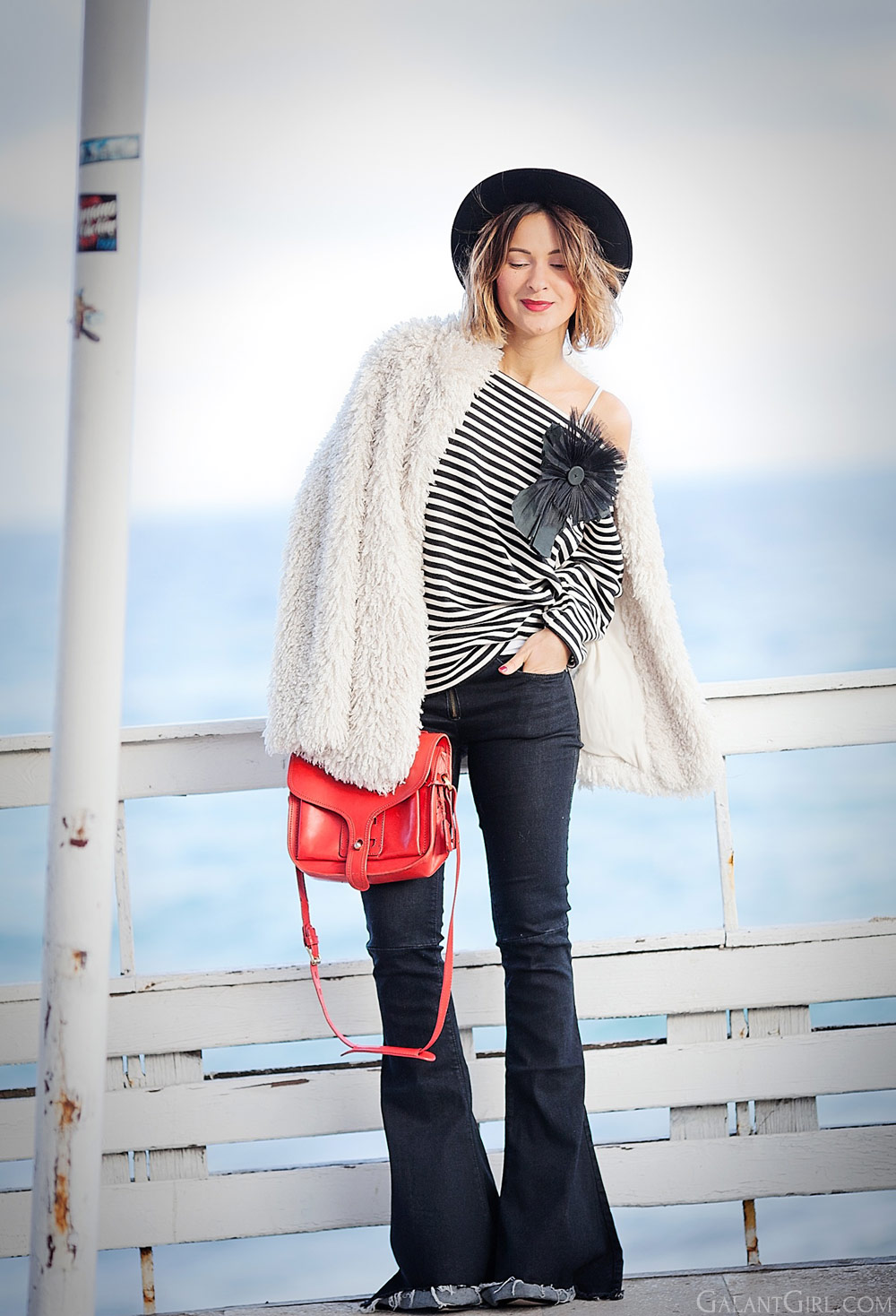 flared-jeans-outfit-for-winter