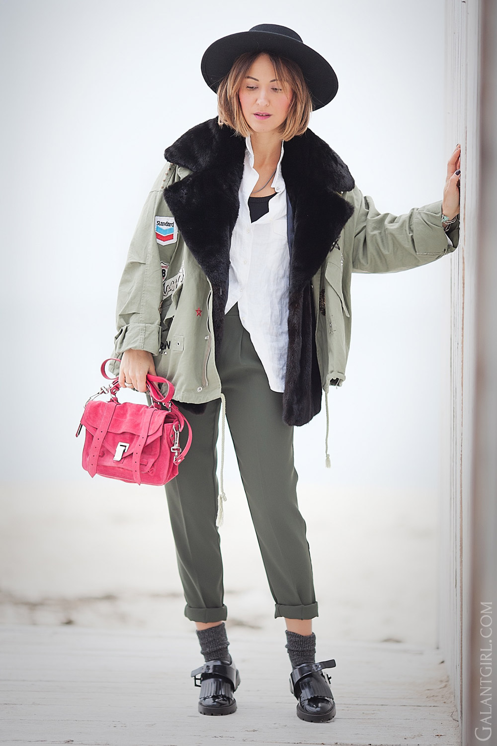 winter-outfit-ideas-by-fashion-blogger-ellena-galant-girl