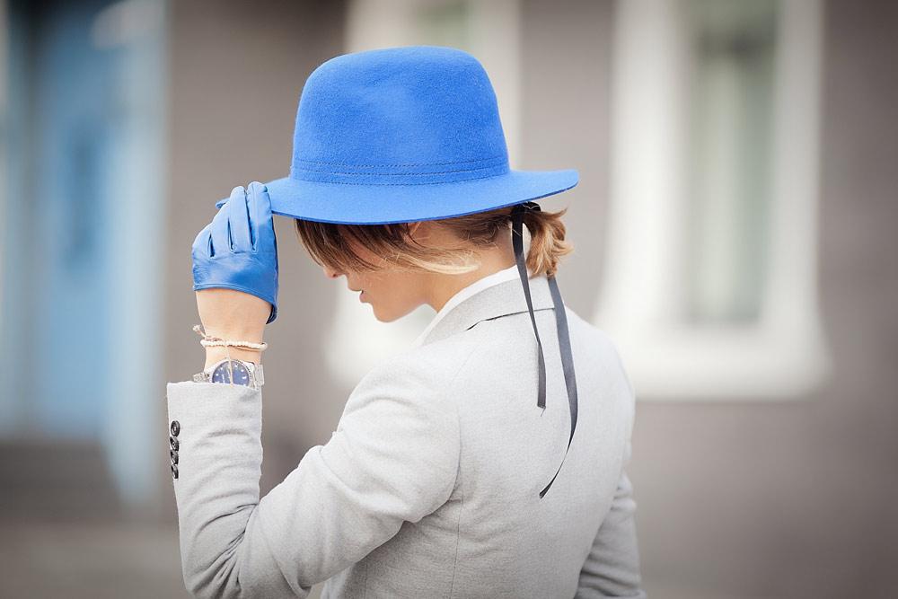 blue-felt-hat