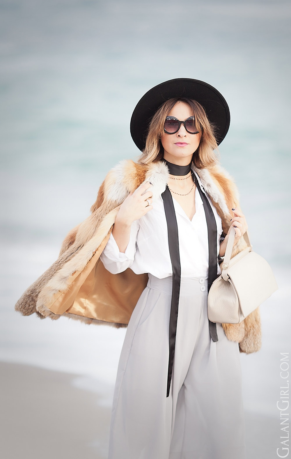 skinny scarf, grey culottes, coccinelle bag and round sunglasses for winter outfit ideas by fashion blogger Galant Girl