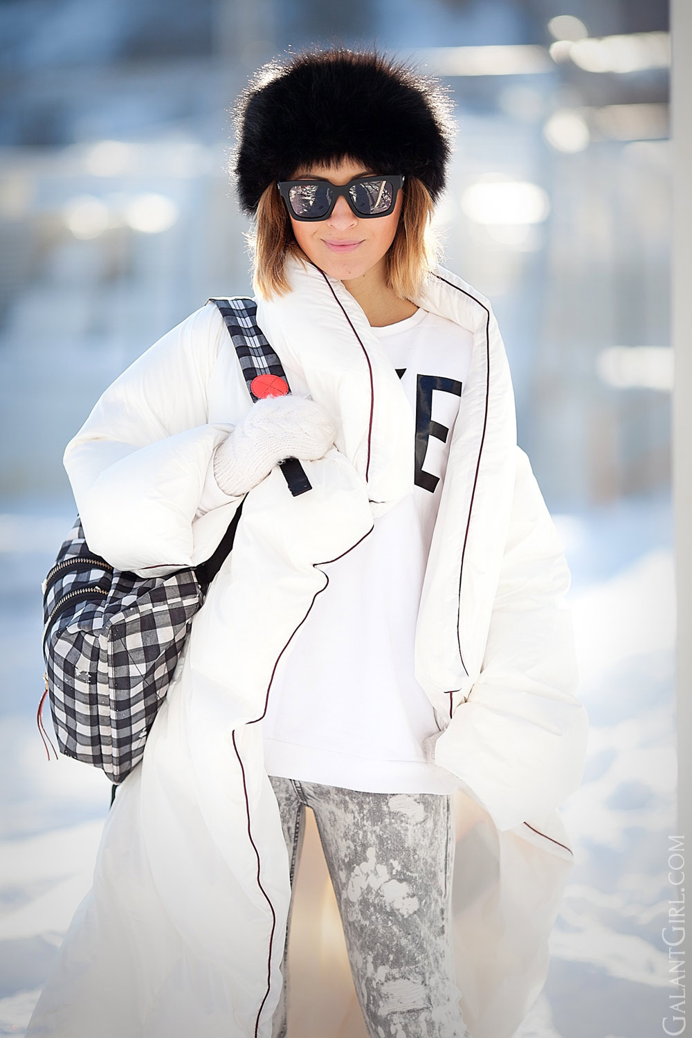 real snowy winter outfit ideas, padded coat, down coat outfit, margiela for H&M down coat, street style ideas, winter outfits, winter look, cold weather outfit,
