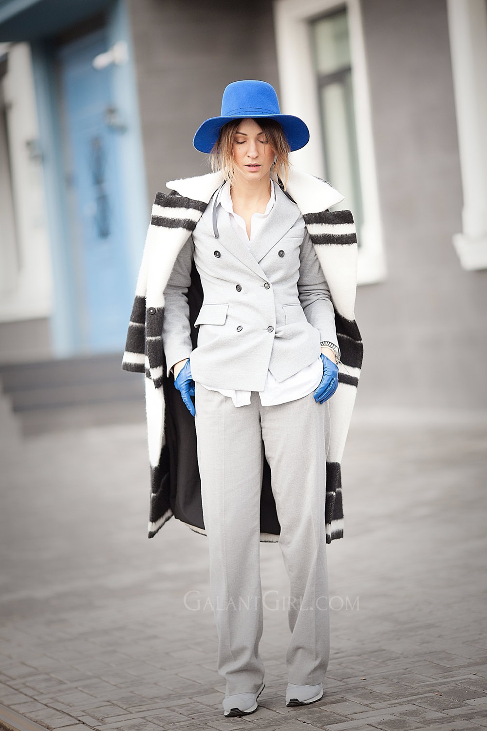 suits-for-women-street-style-by-ellena-galant