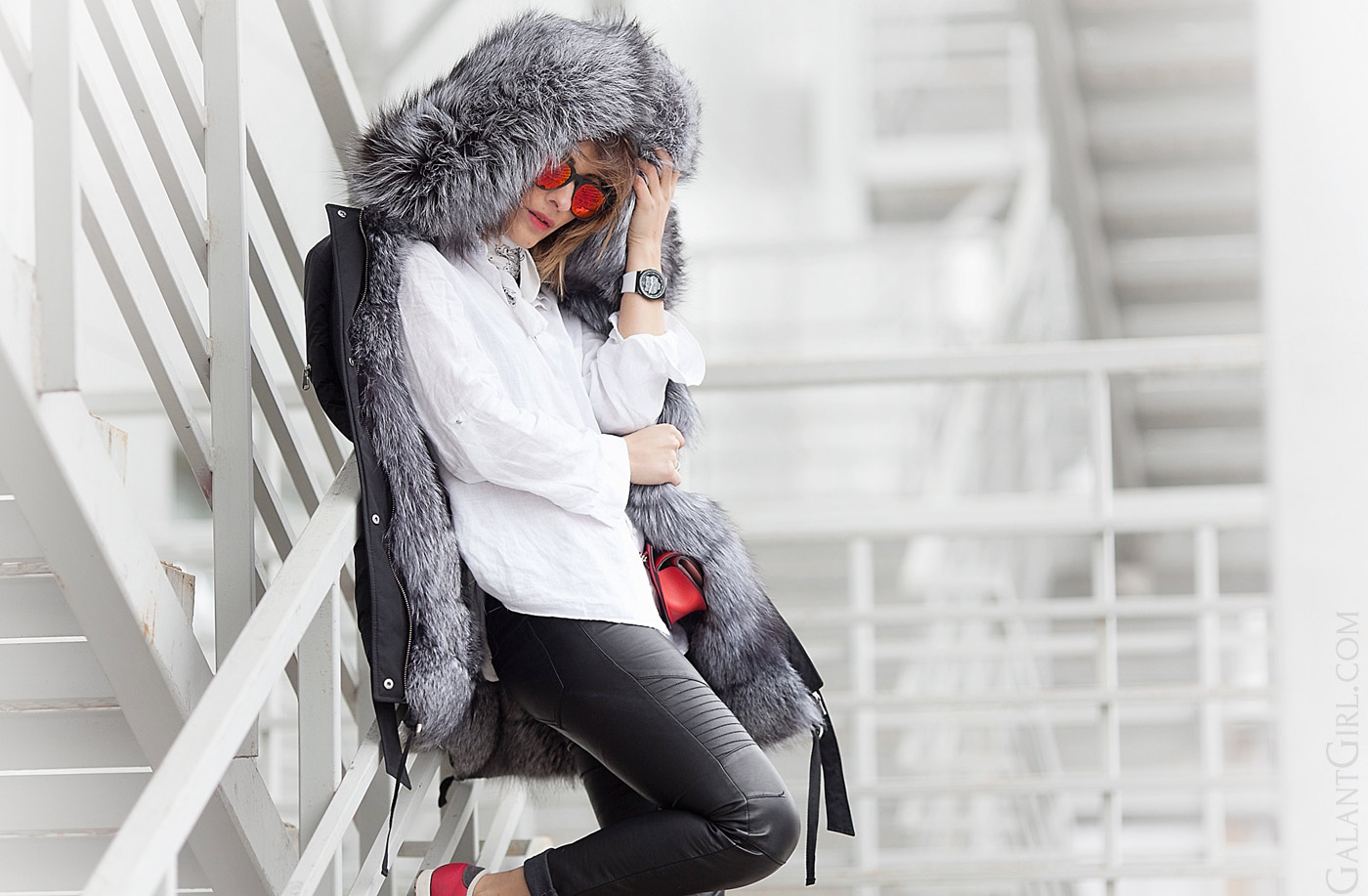 fur-parka-outfit-for-winter-by-street-style-fashion-blogger-galant-girl
