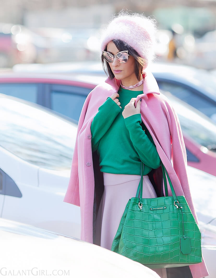 green-and-pink-colors-outfit