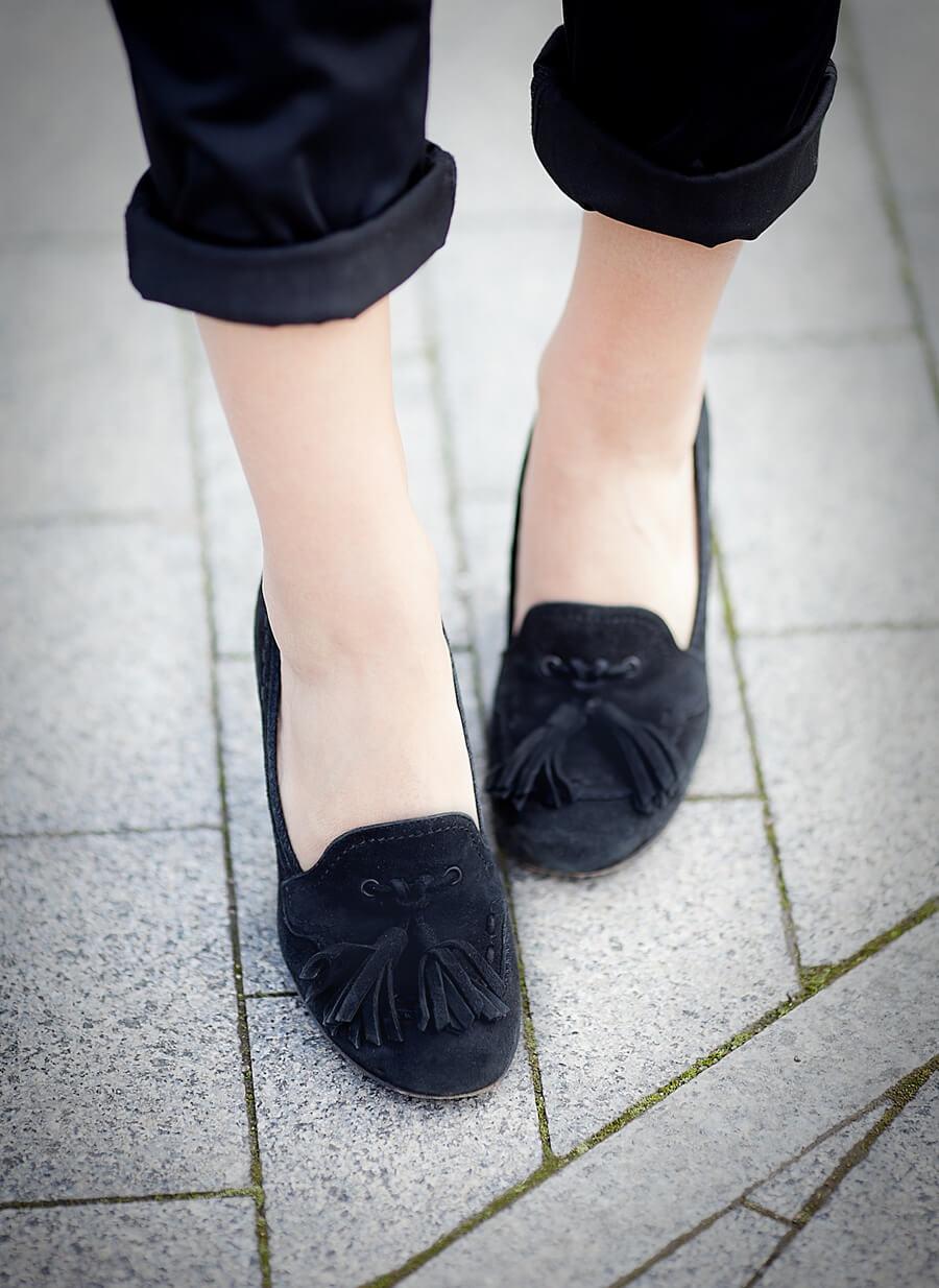 tassel heeled loafers