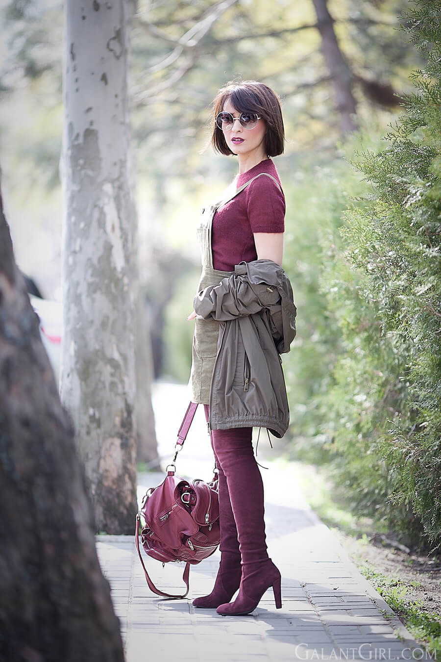 army-green-marsala-colors-outfit